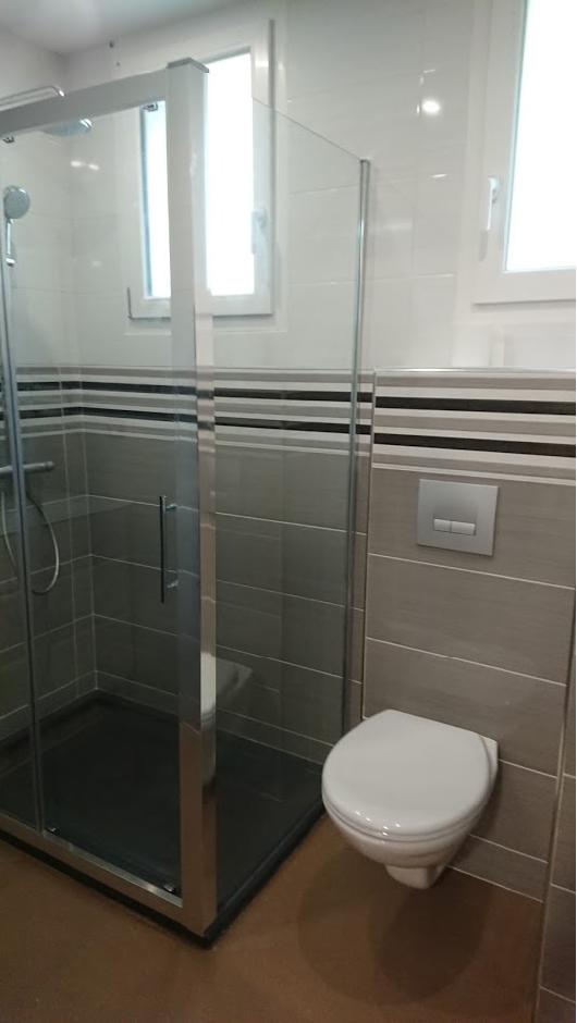 salle de bain et douche